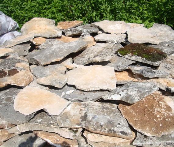 139-kamien-ogrodowy-mix-zywy-czarny