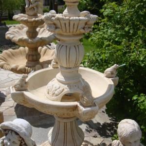479 - fontanna z zabami