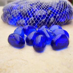 DSC05813 otoczak szklany niebieski
