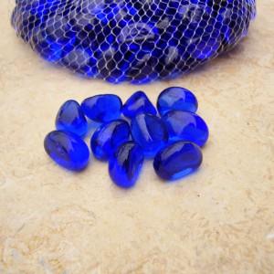 DSC05814 otoczak szklany niebieski