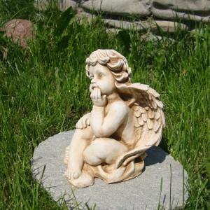 DSC05872 anioł mały siedzący